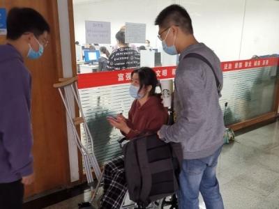 """测量体温,出示健康码,13617名武汉考生参加2020年""""法考"""""""
